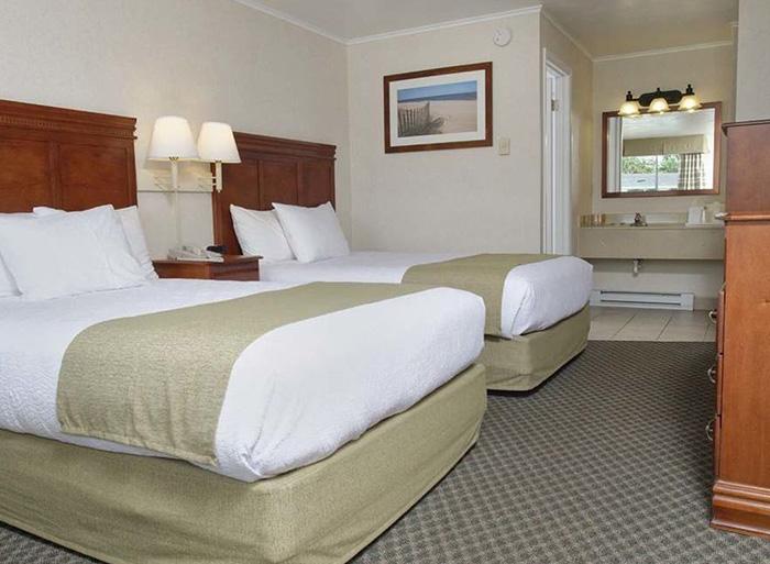 Deluxe Double Room by The Oceanus Rehoboth Beach